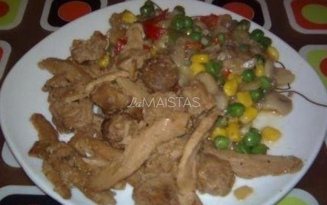 Mėsos troškinys su daržovėmis