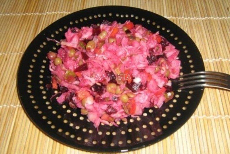 Kopūstų ir burokėlių salotos