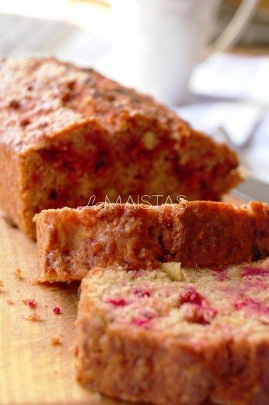 Cinamoninis obuolių - raudonųjų burokėlių keksas