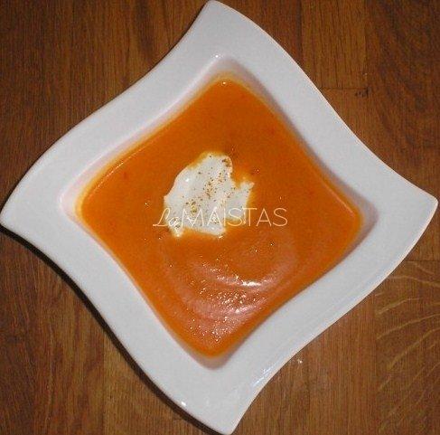Trinta morkų sriuba su salieru