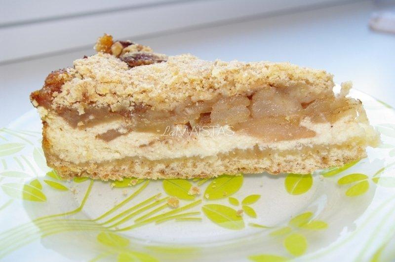 Obuolių-varškės pyragas