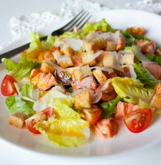 Salotos su vyšniniais pomidorais ir lašiša