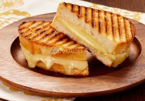 Skrebutis su sūriu