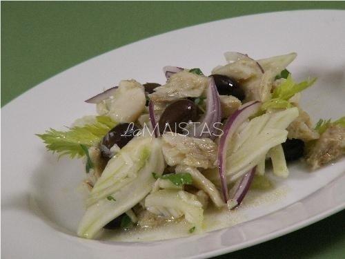 Kopūstų ir alyvuogių salotos