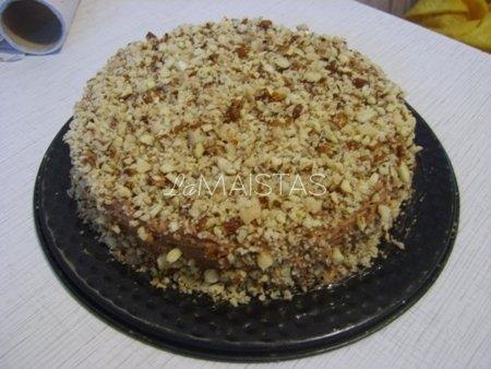 Šokoladinis pyragas su uogomis