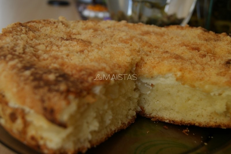 Obuolių ir varškės pyragas