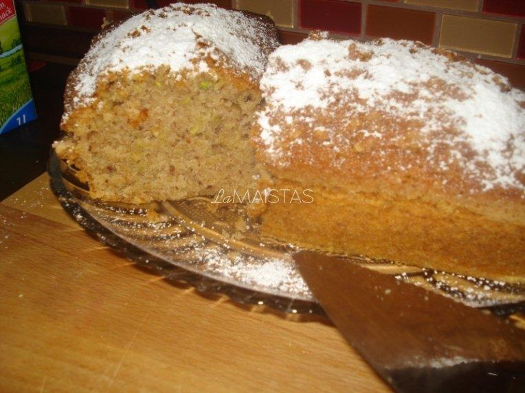 Cukinijų pyragas - skanus, pigus ir greitas