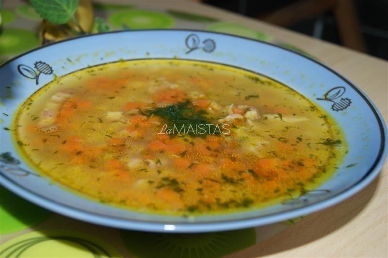 Vištienos sriuba su žirneliais