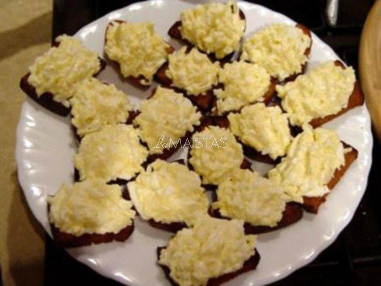 Kiaušinių ir duonos užkandžiai
