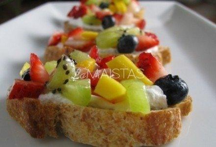 Vaisių sumuštinukai