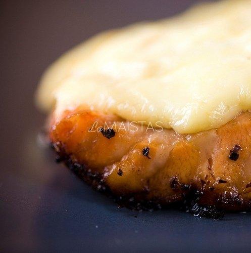 Lašiša su sūriu