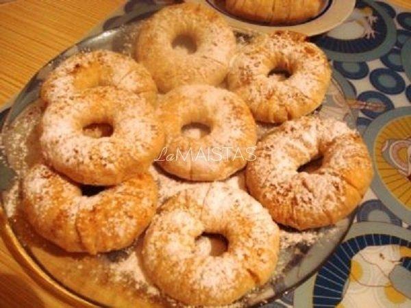 Greitieji ananasiniai pyragėliai