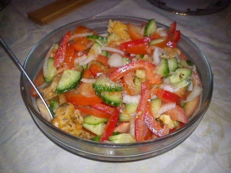 Gaivios salotas su sūriu