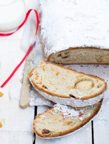 """Vokiškas kalėdinis džiovintų vaisių pyragas arba """"Dresdner Stollen"""""""