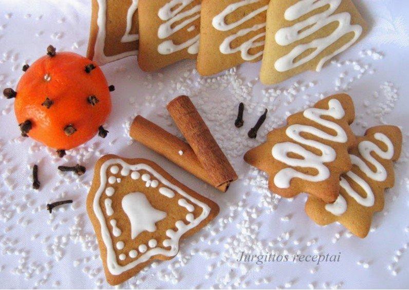 Kalėdiniai sausainiai meduoliai