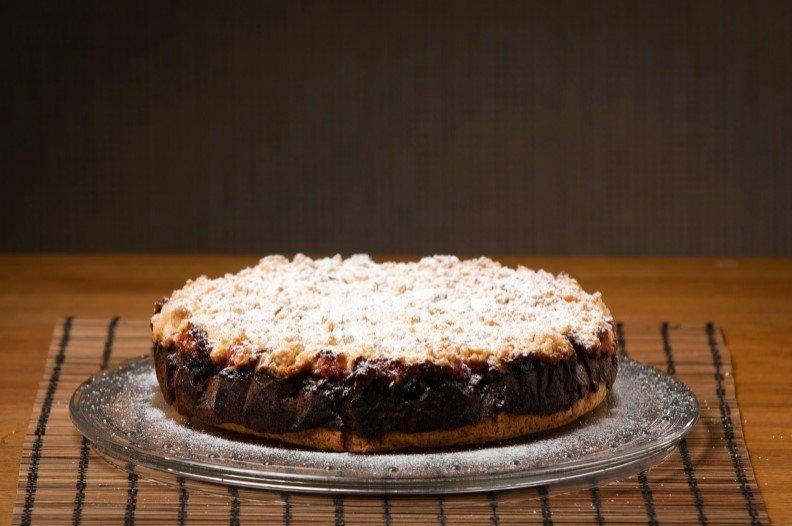"""Trupininis aguonų pyragas su uogienės pertepimu """"Makowiec"""""""