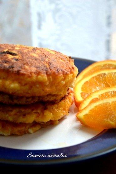 Morkų varškėčiai su apelsinais