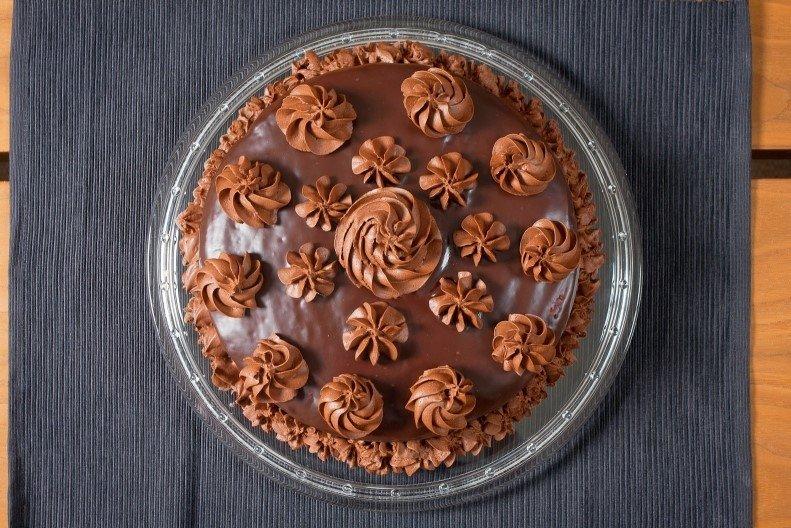 Marmurinis pyragas su šokoladiniu glaistu