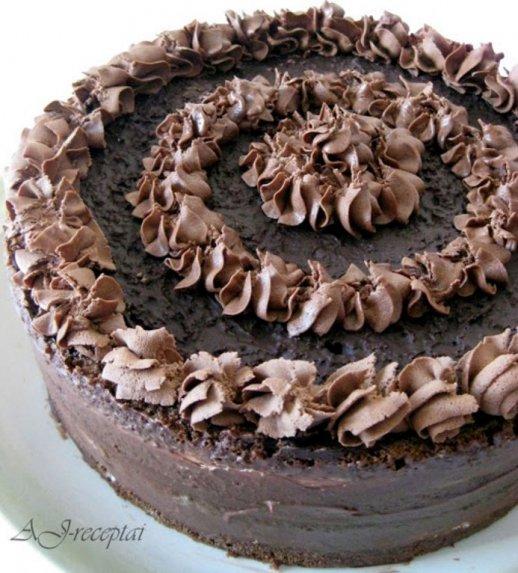 """Fantastiškas tortas """"Juodasis miškas"""""""