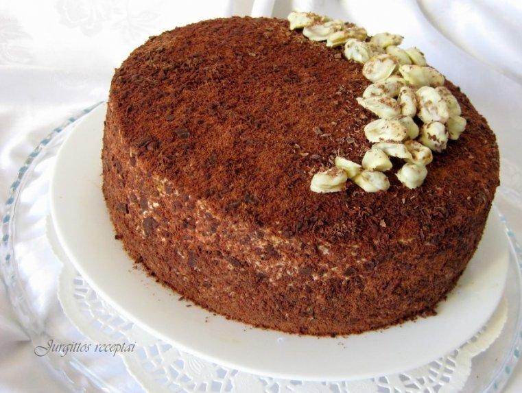 """Nuostabusis tortas """"Žozefina"""" su grietininiu kremu, razinomis ir kavos natomis"""