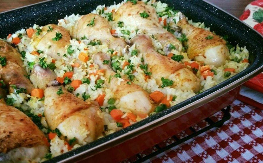 Orkaitėje keptos vištienos blauzdelės su ryžiais