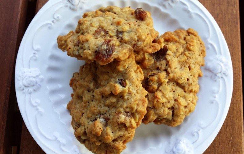 Avižiniai sausainiai su razinomis