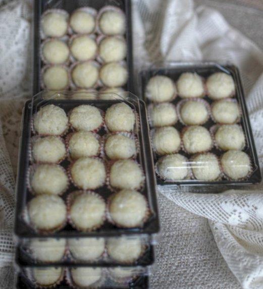Kokosiniai saldainiai Pūkučiai su kondensuotu pienu