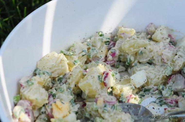Gaivi bulvių mišrainė su ridikėliais