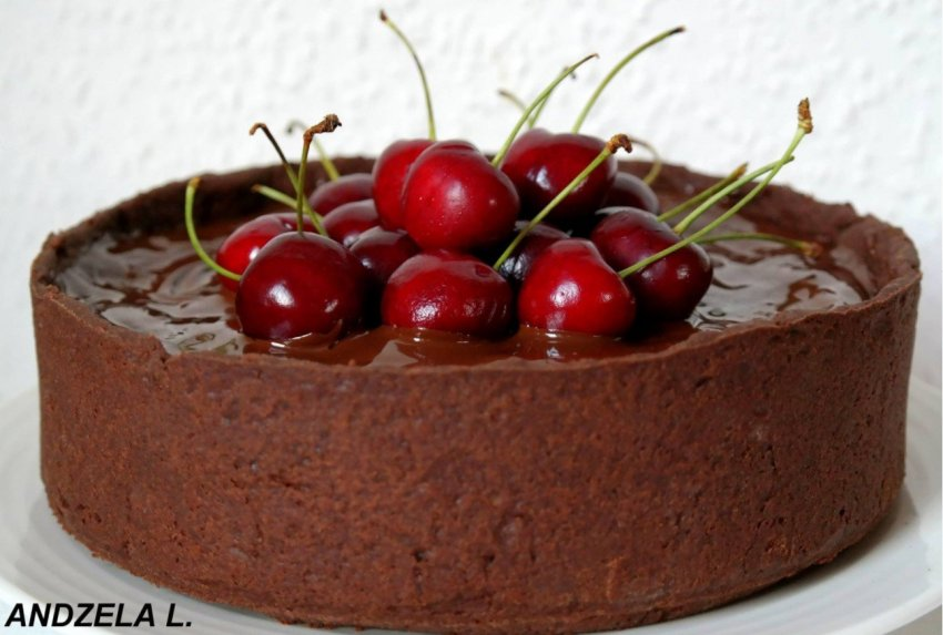 Šokoladinis varškės pyragas su vyšniomis