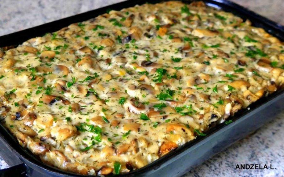 Bulvių apkepas su faršu ir pievagrybiais