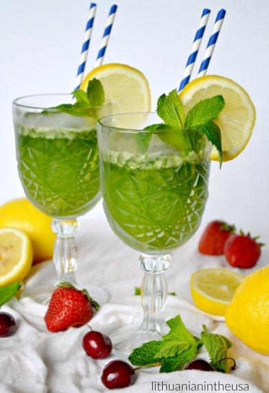 Limonana – šaltas mėtų limonadas