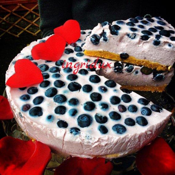 Greitas nekeptas varškės ir jogurto tortas