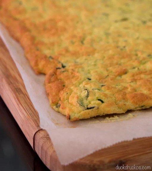 Cukinijų vyniotinis su lašiša ir kreminiu sūreliu