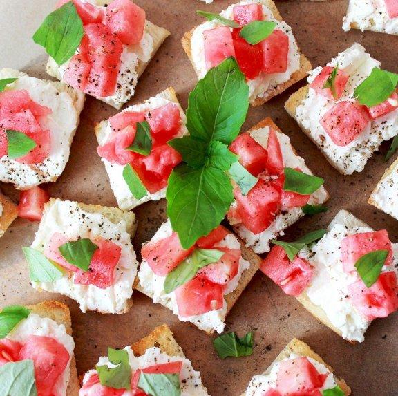 Sumuštiniai su feta ir arbūzu