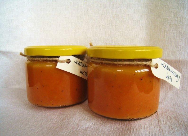 Nuostabi pomidorų ir patisonų piure žiemai