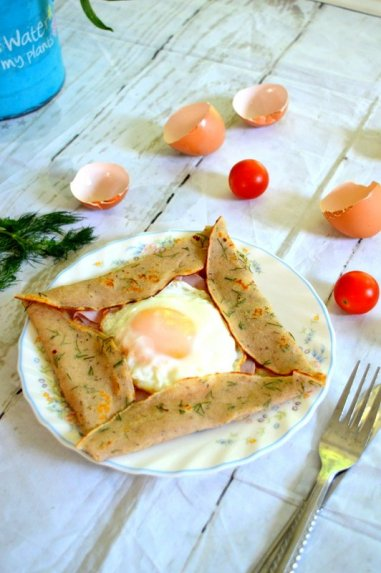 Kiaušiniu užkepti lietiniai blynai - be kvietinių miltų