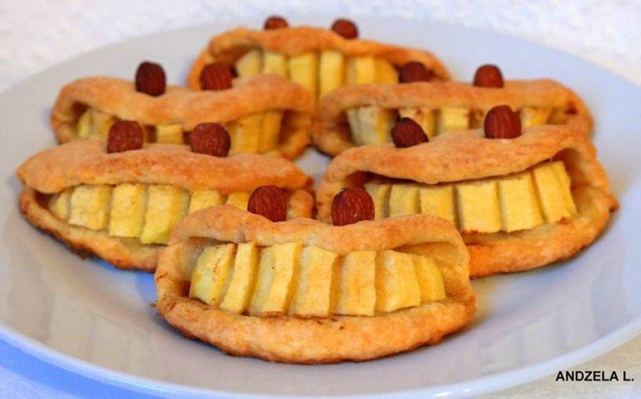 Varškinės tešlos sausainiai su obuoliais