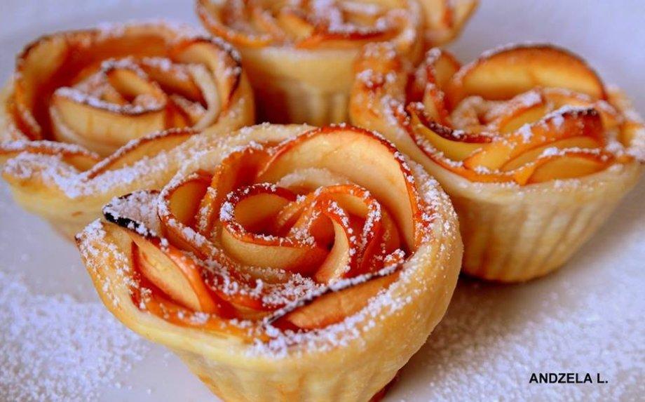 Obuolių pyragėliai rožytės