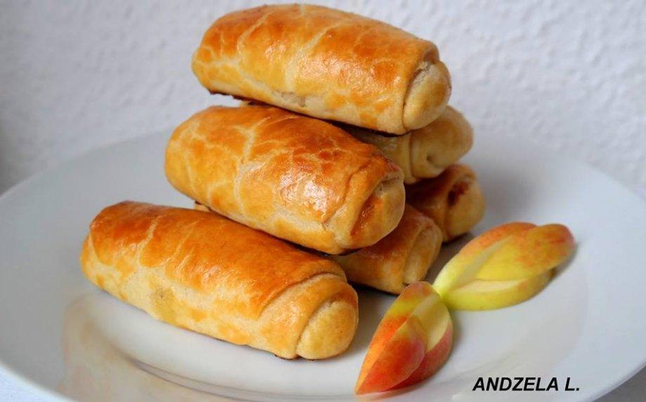 Pyragėliai su varške ir obuoliais