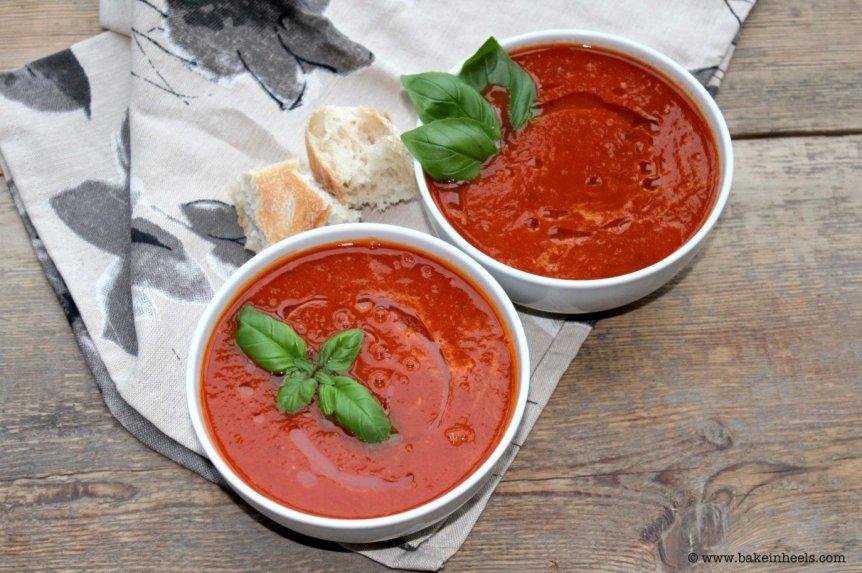 Trinta pomidorų ir paprikų sriuba