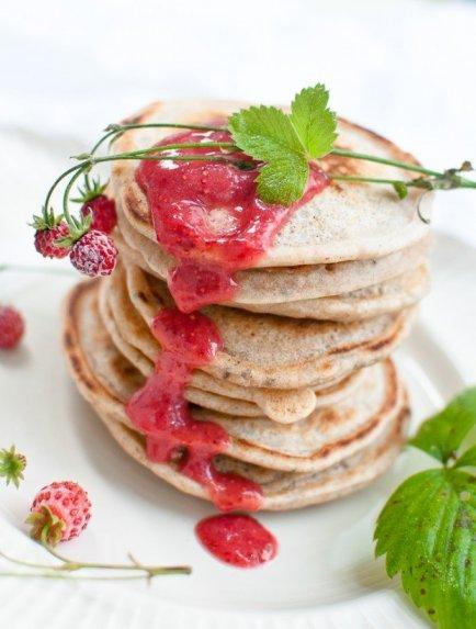 Skanutėliai pusryčių blyneliai be cukraus, kiaušinių ir karvės pieno