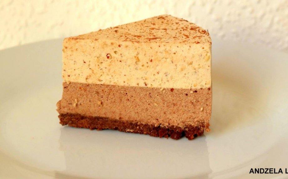 Nekeptas kapučino skonio tortas su riešutais