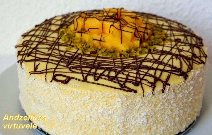 Jogurtinis tortas su mangais