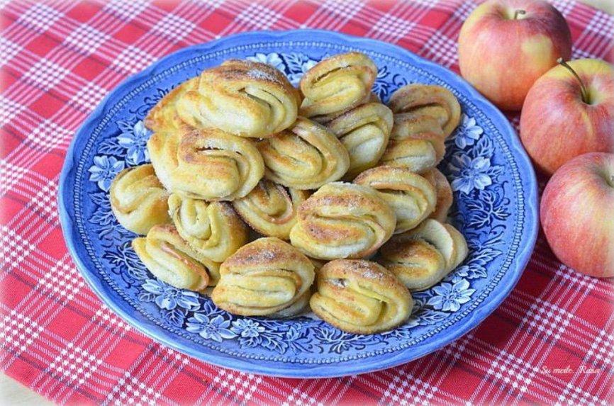 Varškiniai sausainiai bučinukai su obuoliais