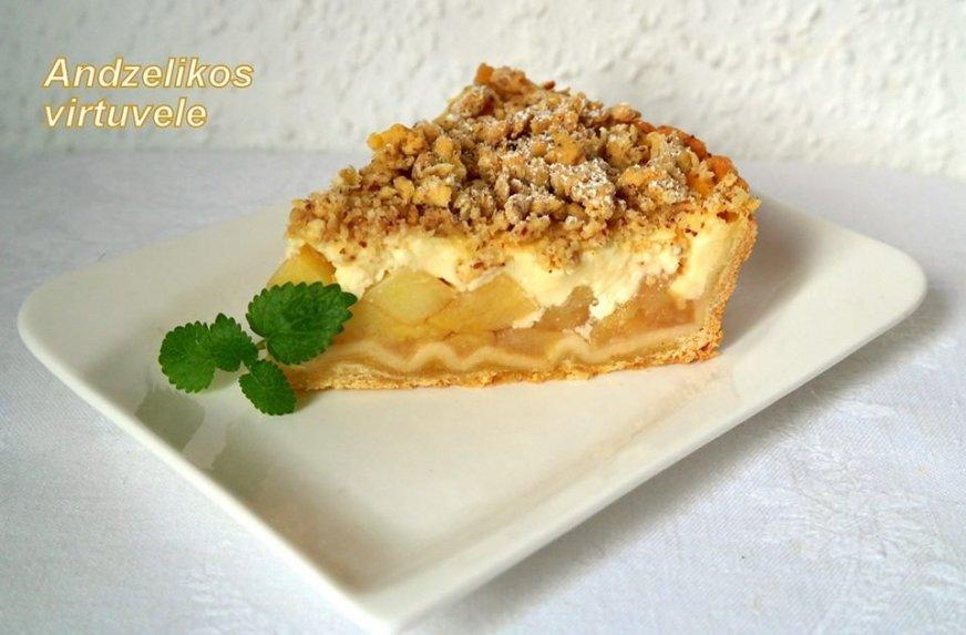 Obuolių pyragas su pudingu
