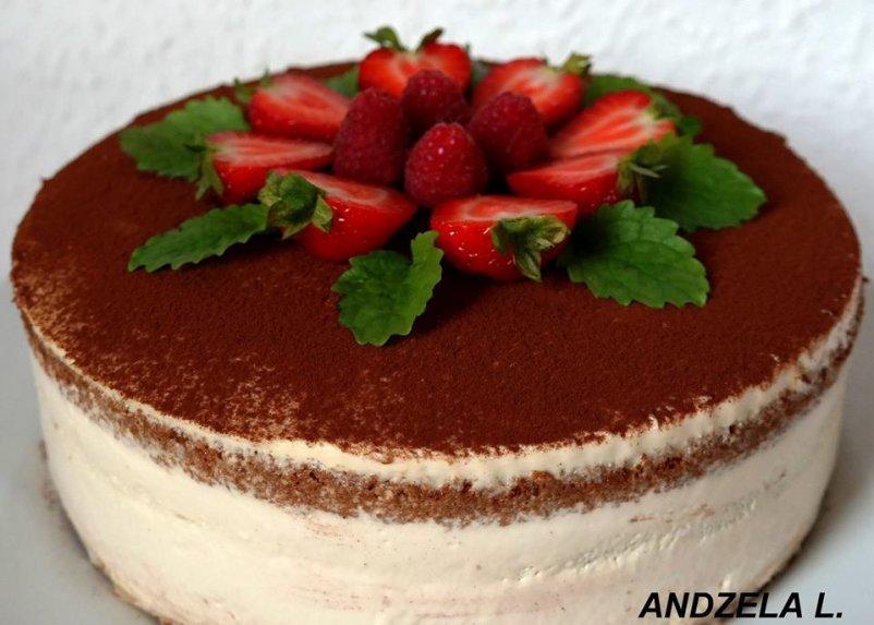 Biskvitinis kapučino skonio tortas su maskarponės kremu