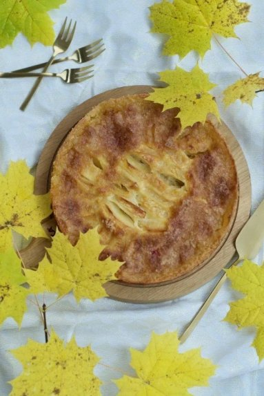 Obuolių pyragas su traškučio viršumi