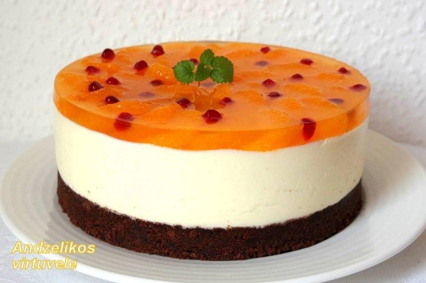 Nekeptas jogurtinio kremo tortas su mandarinais