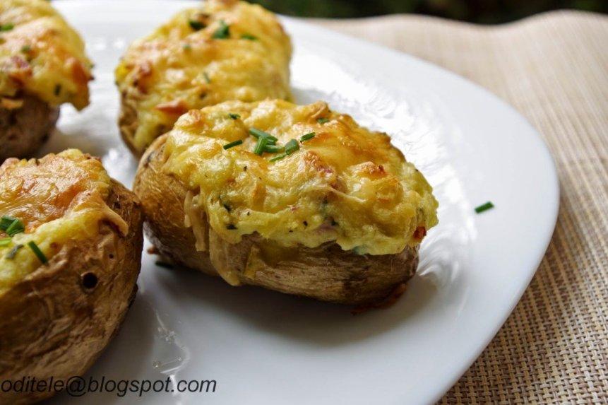 Įdarytos orkaitėje keptos bulvės