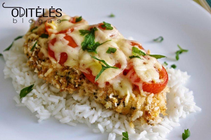 Vištienos kepsnys orkaitėje su pomidorais ir sūriu